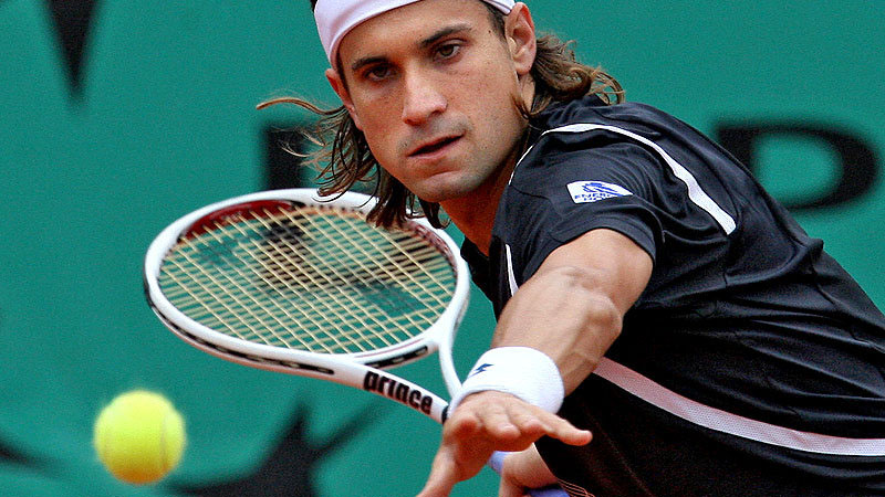 david-ferrer-hand-out