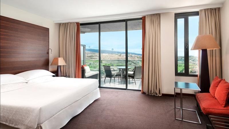sheraton-hotel-room1