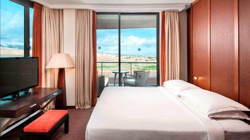 sheraton-hotel-room2