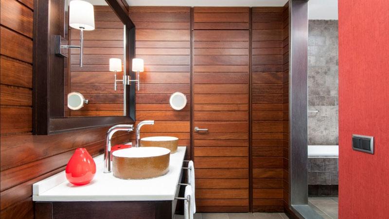 sheraton-hotel-bathroom
