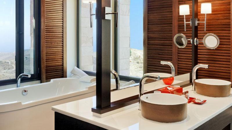 sheraton-hotel-bathroom2