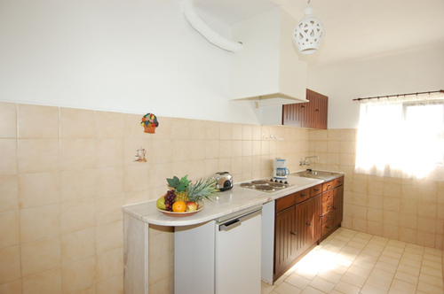 1 bedroom quinta do paraiso kitchen