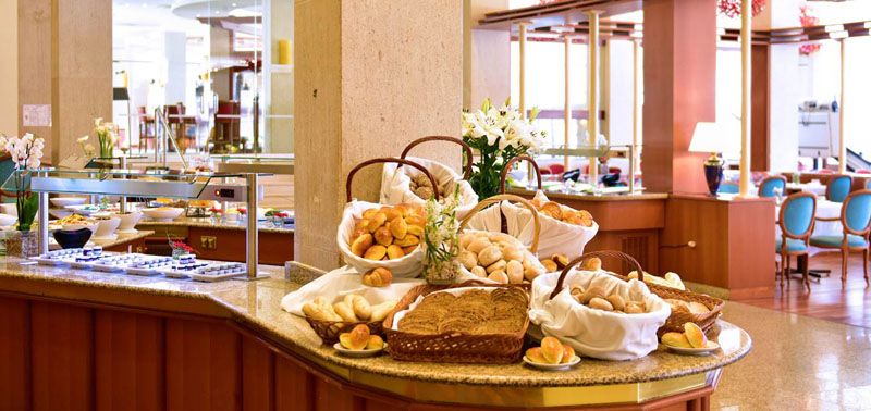 don-joao-hotel-portugal-tennis-camp-hotel-algarve-breakfast-bread