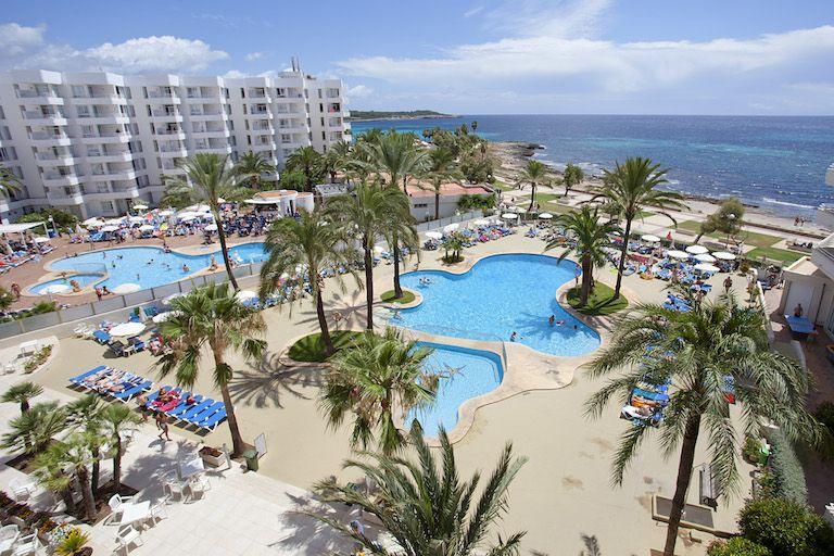 mallorca-spain-tennis-camps-aparthotel-playadorada